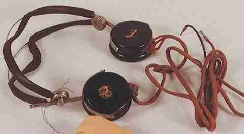 Antiguos auriculares de interpretación simultánea